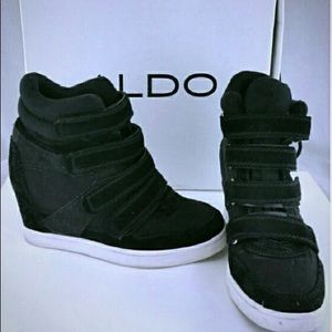 ALDO CHISM BLK & WHITE WEDGE SNEAKERS